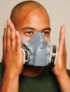 Dopasowanie półmaski 3M wielokrotnego użytku do twarzy