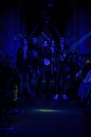 Odzież z odblaskami – nowe trendy w modzie