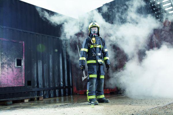 Odzież dla strażaków – bezpieczeństwo iwygoda zodblaskową taśmą segmentową