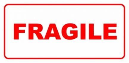 Etykieta ETH-04 FRAGILE
